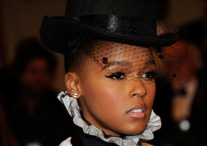 Monae in veil and collar, from singersroom.com